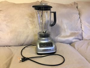 Kitchen aid blender brand new never been used for Sale in St. Louis, MO