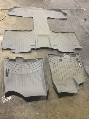 Toyota Sienna WEATHERTECH for Sale in Chicago, IL