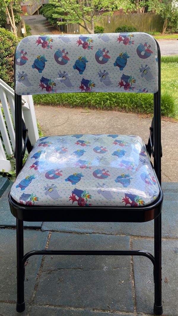 """ DREAMWORKS -TROLLS folding chairs 2"