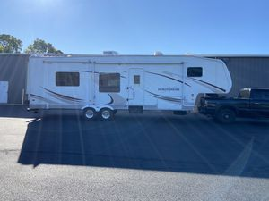 2007 fifth wheel 35' for Sale in Somers, CT