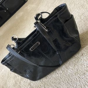 Like new black Coach bag! for Sale in Hyattsville, MD