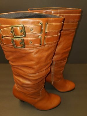 ALDO KNEE HIGH BOOTS SIZE 7 1/2 GOOD CONDITION for Sale in Lansing, IL