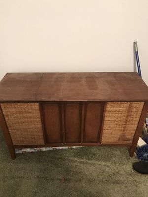 Stereo cabinet floor style vintage antique for Sale in Moore, SC