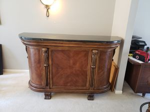 Beautiful Wood Bar with Marble Top includes Bar Stools for Sale in Cincinnati, OH