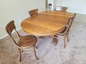 Antique 52' Round OAK Claw Legged Table & 4 Chairs for Sale in Glendale, AZ