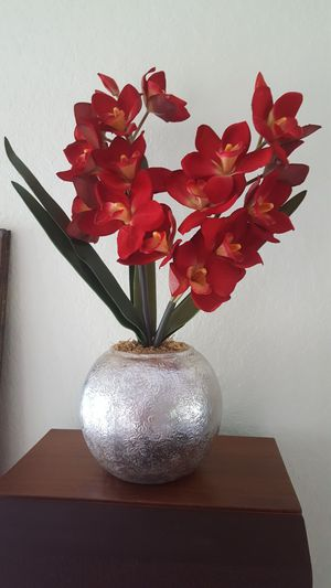 artificial flowers pot for Sale in Spring Hill, FL