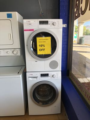 "Bosch white stackable washer and dryer set 24"" for Sale in Woodbridge, VA"