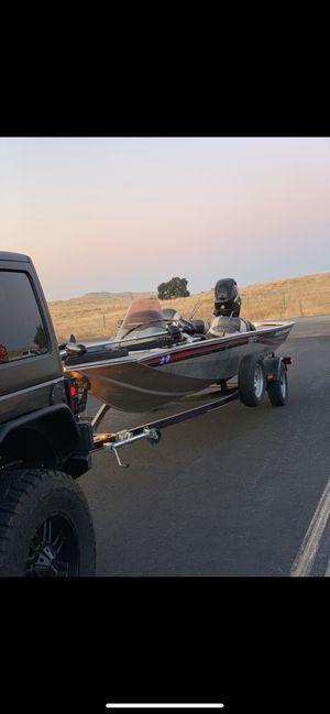 Tracker fishing boat for Sale in Fresno, CA