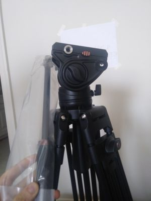 """Cayer BV30L 72"""" Film Tripod - with packaging and case for Sale in Bristow, VA"""