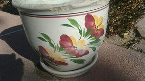 Large 14 inch flower pot for Sale in Las Vegas, NV