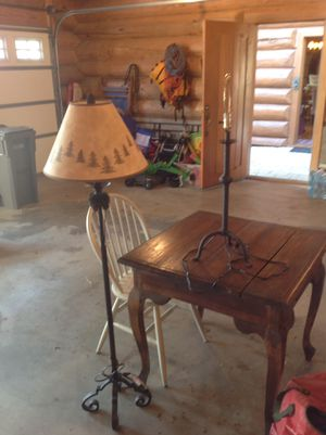 Antique Table, chair, floor lamp and table lamp (without shade). for Sale in Entiat, WA