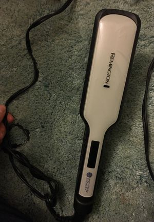Remington straightener for thick hair for Sale in Richboro, PA