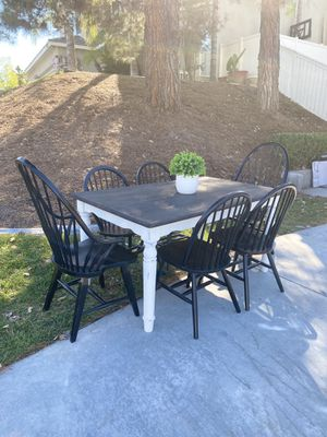 """60"""" farmhouse dark top dining table SET w/ 6 black chairs for Sale in Temecula, CA"""