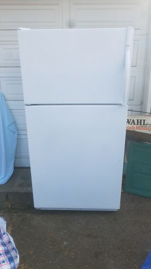 20cu.ft. Kenmore Refrigerator/freezer for Sale in Tacoma, WA