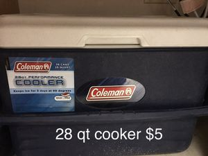 28 qt cooler for Sale in St. Louis, MO