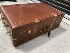 Antique steamer trunk for Sale in Cheyenne, WY