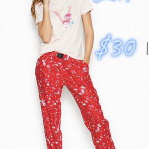 NEW Victoria Secret Pjs Sets Size Medium for Sale in Manteca, CA
