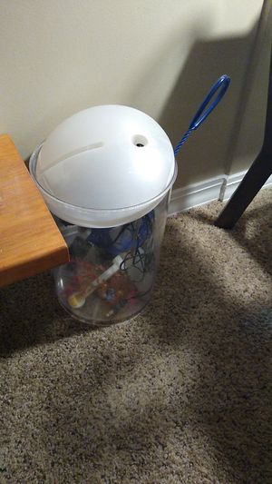 Fish tank for Sale in Cumberland, IN