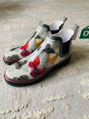 Rain boots for Sale in Miami Beach, FL