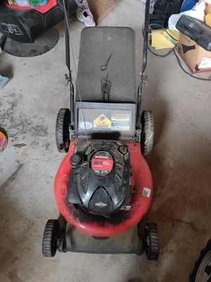 Briggs and Stratton 22inch lawn mower for Sale in Millis, MA