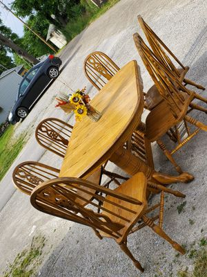 Oak Dining Room Table/ 6 SOLID Chairs 2 levels included for Sale in Columbia City, IN