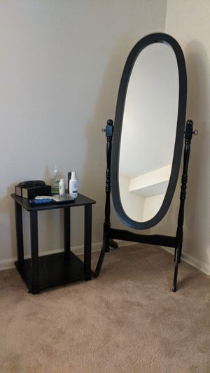 Mirror with Side table for Sale in Aspen Hill, MD