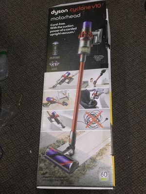 Dyson vacuum v10 for Sale in Cleveland, OH