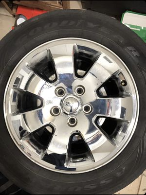 Stock 2009 Jeep tires and rims for Sale in UPR MARLBORO, MD