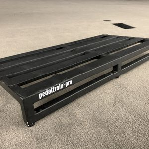 "Pedaltrain Pro Guitar Pedalboard - 32"" x 16"" for Sale in Bellevue, WA"