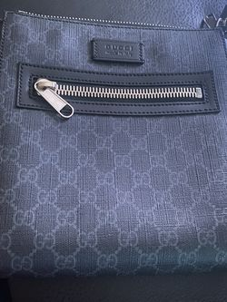 Gucci Supreme GG Messenger Bag Large for Sale in Fairfax Station,  VA