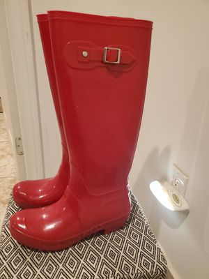 Women rain boots 7 and half for Sale in Perris, CA