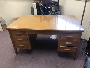 Desk for Sale in Pomona, CA
