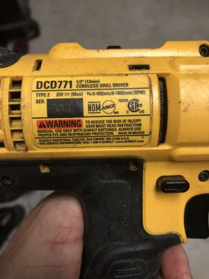 Dewalt 20v drill, 2 batteries, charger for Sale in Spring Branch, TX