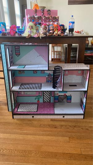 LOL dolls, OMG Dolls, dollhouse, furniture, and accessories for Sale in Berlin, CT