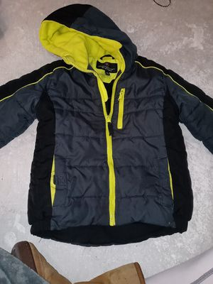 Boy or unisex size 5/6 snow jacket for Sale in Linda, CA