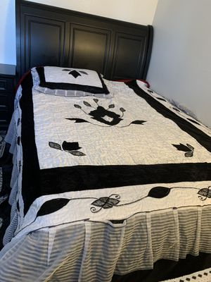 4 pics queen size bed includes dresser, mirror, night stand and 2 storage drawers!!! for Sale in Sacramento, CA