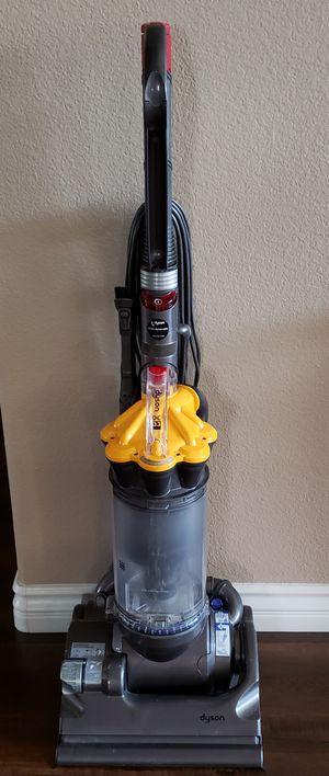 Dyson DC 33 Multi Floor Vacuum for Sale in Murrieta, CA