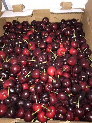 Last Cherries of the season $20 an 18LB box for Sale in Stockton, CA
