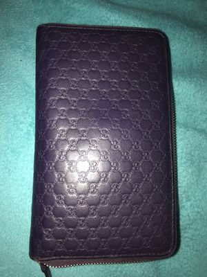 Purple Gucci Wallet for Sale in Blacklick, OH