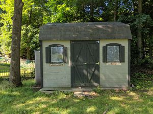 Shed in good condition for Sale in Medford, MA