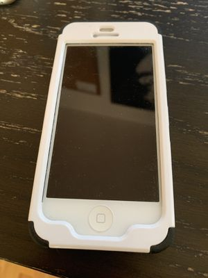 ATT 32Gig iPhone 5 for Sale in Los Angeles, CA