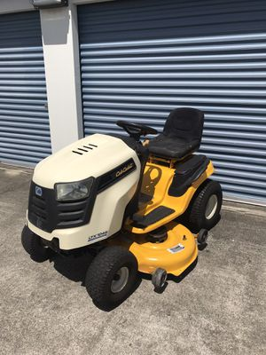 CUB CADET LTX1045 HYDROSTATIC TRACTOR 46 INCH RIDING LAWN MOWER for Sale in Clermont, FL