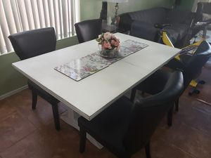 Dining table and chairs for Sale in Chandler, AZ