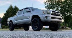 Fully Loaded 2009 Toyota Tacoma 4WDWheels for Sale in Detroit, MI