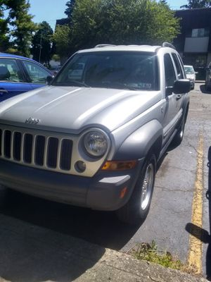 2005 Jeep liberty 4x4 6 speed manual for Sale in Columbus, OH