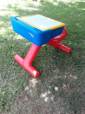 Todays kids toy desk for Sale in Joshua, TX