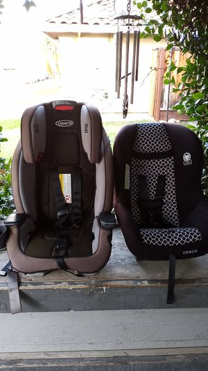 Two car seats 1 Graco and one Costco for Sale in Tracy, CA