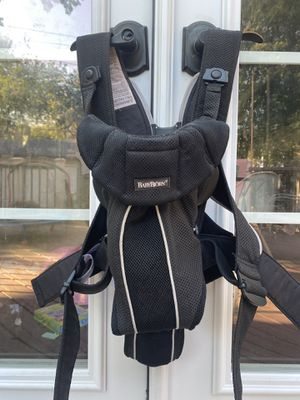 Baby Bjorn Carrier for Sale in Cleveland, OH
