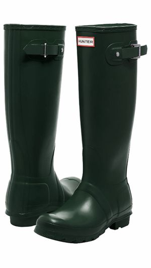 HUNTER Brand. Original Tall Water Proof Rain Boot. (Woman) Retail Price at the Store $150-$160 plus tax !! BRAND NEW, NEVER USED !!! Size8. for Sale in Anaheim, CA