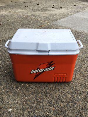 Rubbermaid Gatorade UW Athletics cooler for Sale in Mountlake Terrace, WA